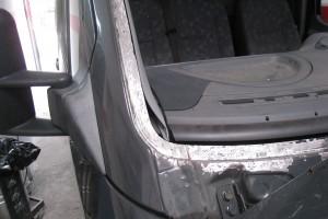 Durchrostung Frontscheibe Mercedes Benz Sprinter beheben lassen bei Blech Company